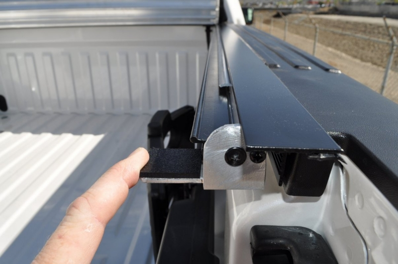 roll-x-hard-rolling-tonneau-cover-10
